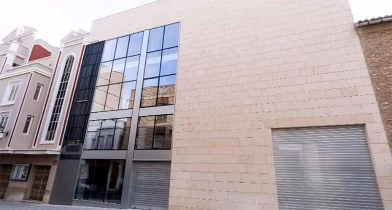 Construcció del centre d'innovació musical i reforma de l'escenari del teatre